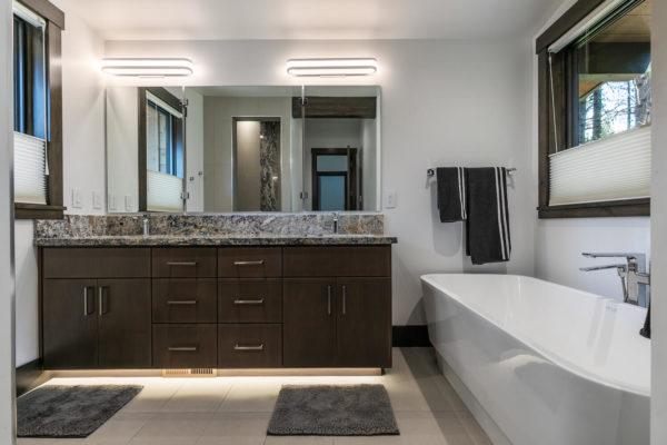 11486 Henness Rd Truckee CA-large-027-014-Bathroom Three-1500x1000-72dpi