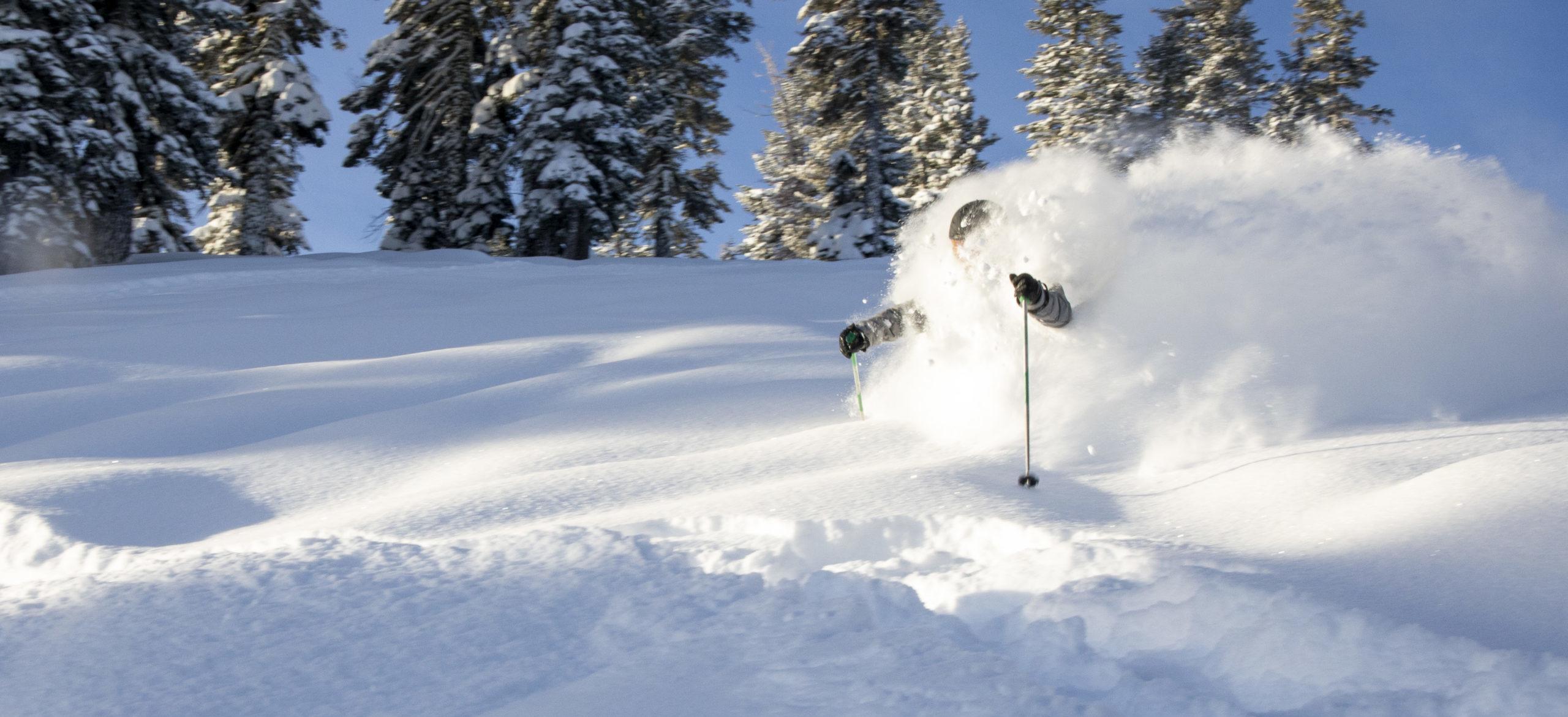 Epic vs. Ikon:<br></noscript> The Battle of the Ski Passes