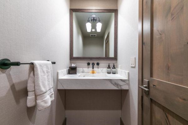 104 Yank Clement Truckee CA-large-025-003-Bathroom Three-1500x1000-72dpi