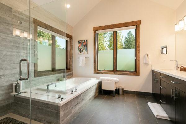 11655 Henness Rd Truckee CA-print-021-037-Bathroom One-3200x2133-300dpi