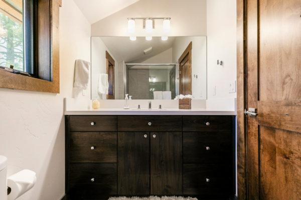 11655 Henness Rd Truckee CA-print-032-021-Bathroom Four-3200x2133-300dpi